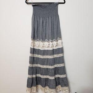 Romeo + Juliet Couture Lace Tiered Maxi Dress sz M